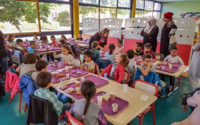Petit déjeuner équilibré à l'école Giono